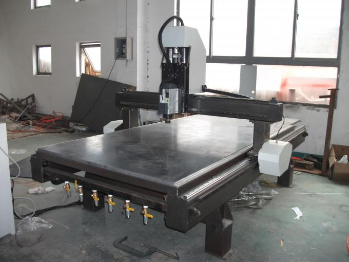 Aluminum Profiles 1325 Cnc Router Machine 3 Axis For Advertising Market